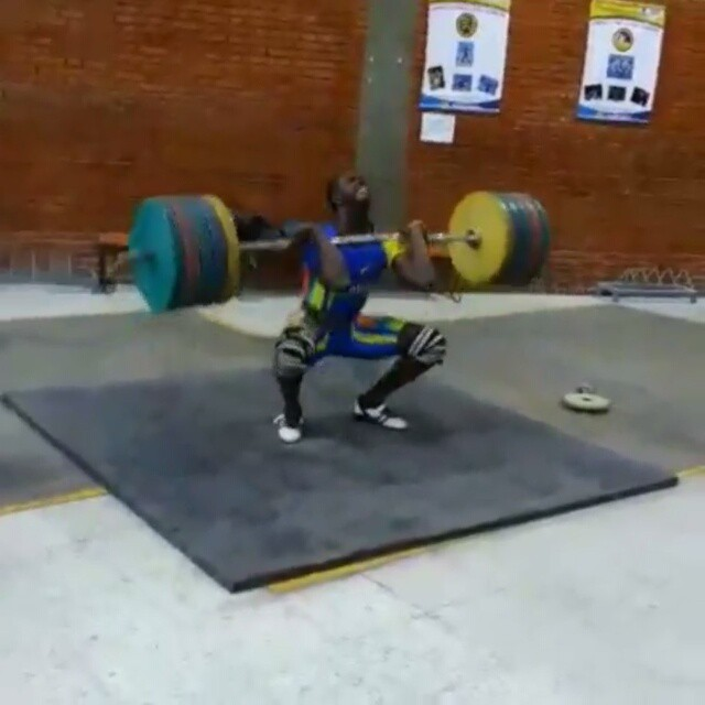 Lifts went well today. Upper back is holding up. Nothing special to post.  So heres a another Colombian lifter to keep an eye out for: ? Check out Diego Mancilla (77kg i believe) @diegomancilla790 nailing a 180k clean.  At the Junior Worlds he hit 171kg C&J to give him a bronze in the C&J
