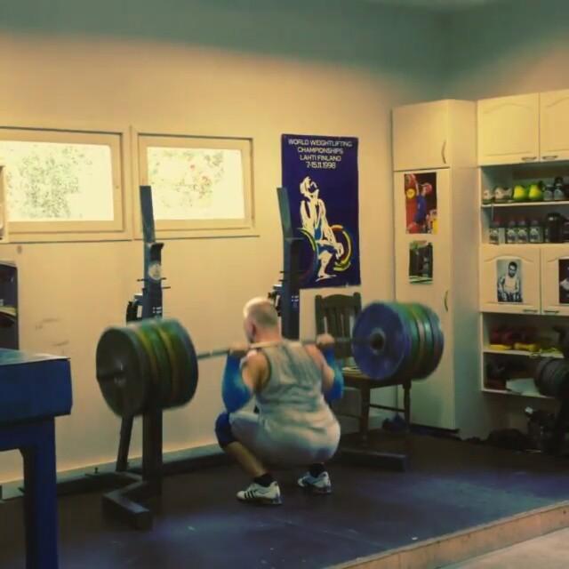Milko Tokola (Fin 85kg) @milkotokola- with a monster squat.