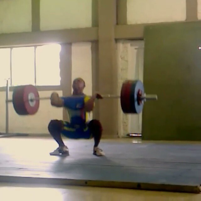 Keep an eye for this young Colombian talent- Andres Piedrahita (69kg)  Here's a clip of his 170kg C&J!  Make sure to give him a follow too @mauronitido123