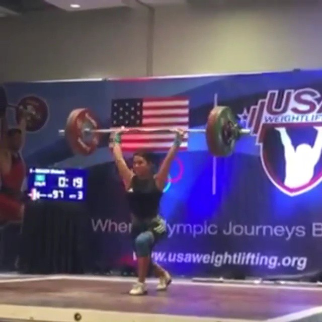 One of my favorite & inspiratonal lifters, 2008 Olympian Melanie Roach, back on the main stage after a 6.5 yr lay off & on her 40th B-Day!  She's an inspiration to all weightlifters overcoming injuries. To put shortly Melanie has overcome many challenging obstacles including a severe back injury that halted her multiple come back attempts. Despite the uphill battle Melanie still fight on and made the 2008 Olympics.  Thanks to her sage advice, I'm able to lift again with little to no back pain. A wrote a little bit about it here:  Copy and paste link: Https://ow.ly/G13KK  Repost from @melanieroacholympian